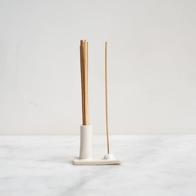 Kura Hold and Release Incense Holder