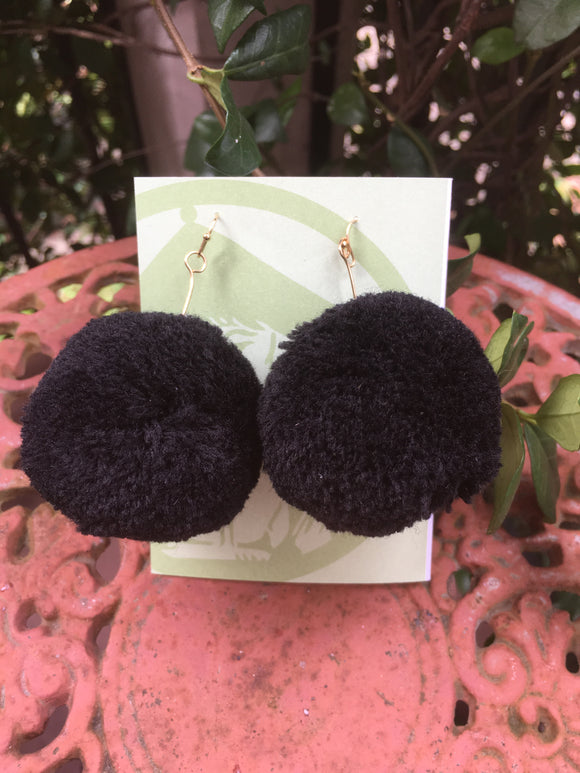 EARRINGS POM POMS BLACK