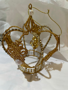 DECORATIVE CROWN BEAUTIFUL GOLD ORNAMENT