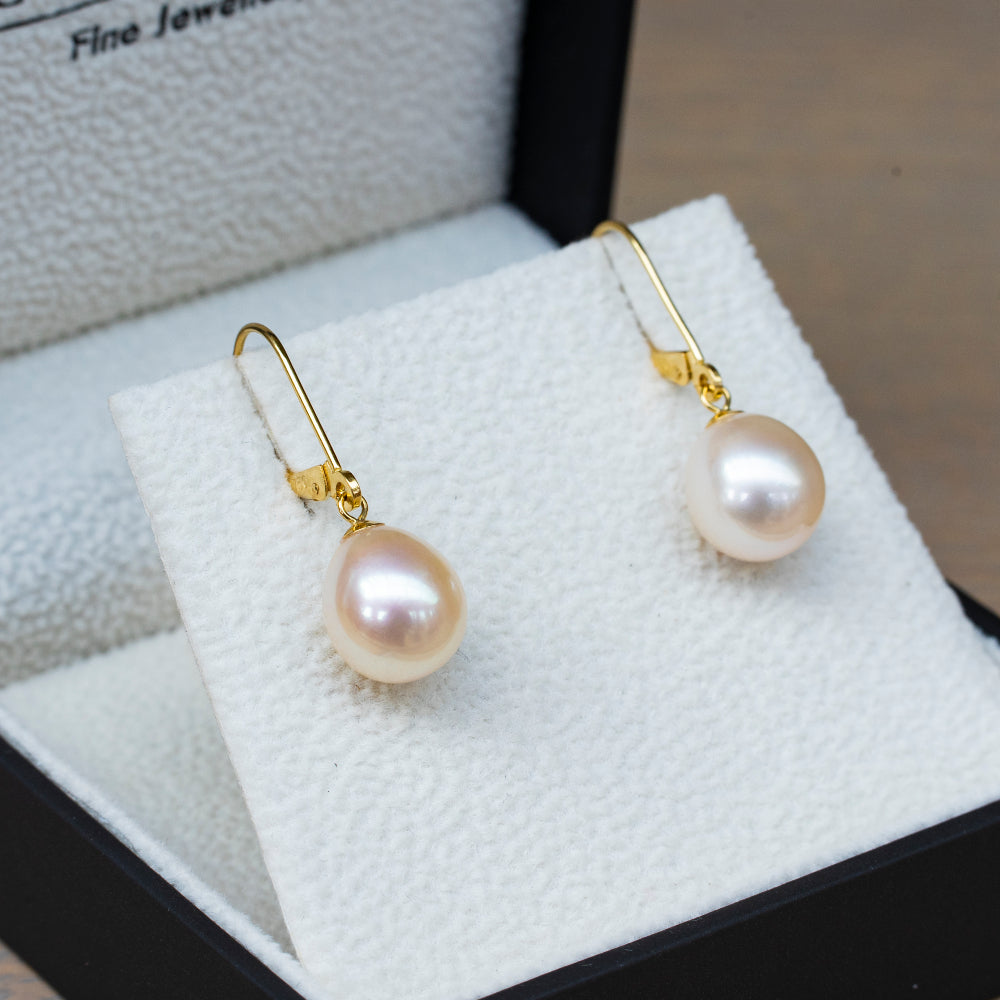 18ct yellow gold white pearl 9mm lever back drop earrings