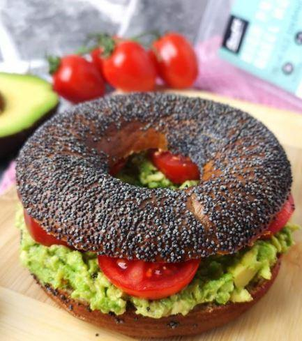 BenFit High Protein Bagel Mohn