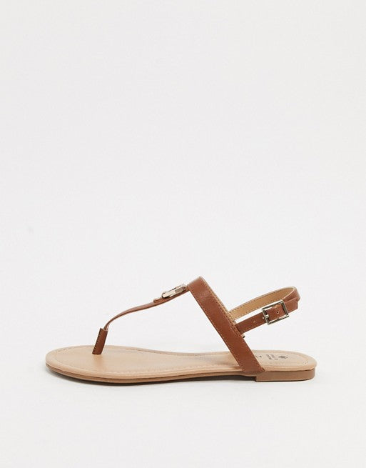 CALL IT SPRING JADENE TOE THONG FLATS IN COGNAC