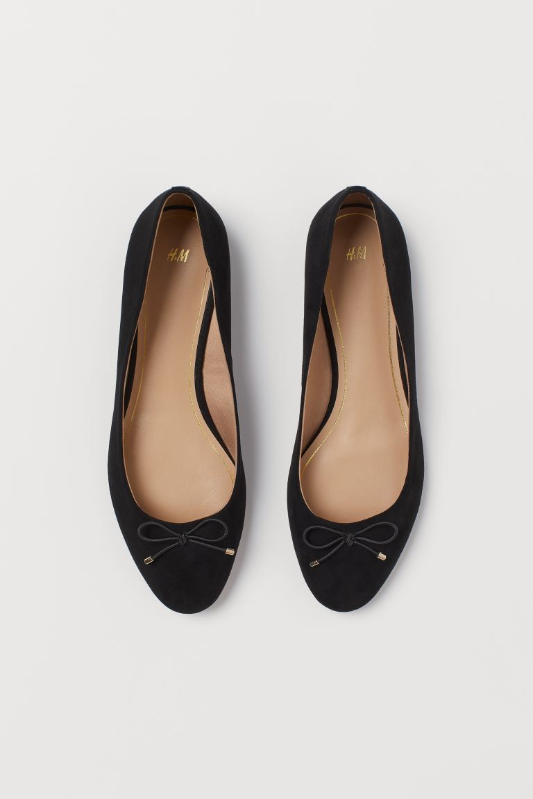 H & M BOW DETAIL BALLET PUMPS IN BLACK