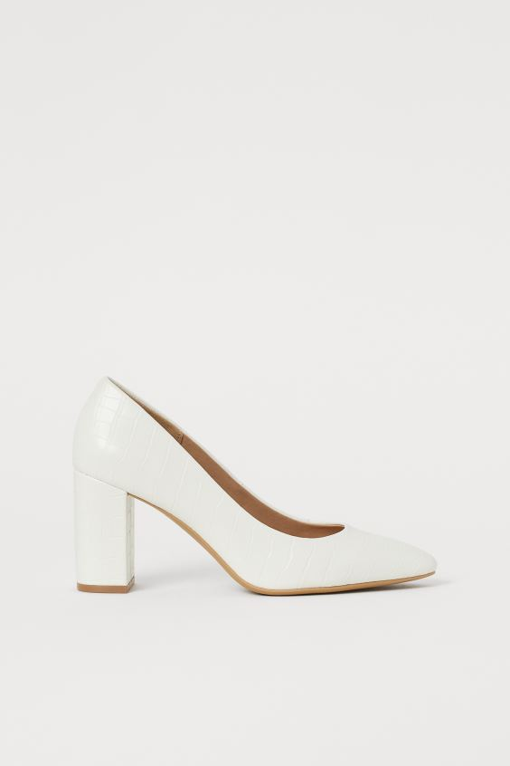 H & M WHITE BLOCK HEEL COURT SHOES