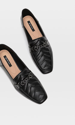 STRADIVARIUS BLACK QUILTED FLAT SHOE WITH HEEL DETAIL