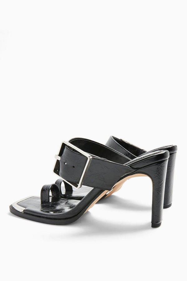 TOPSHOP ROBBIE BLACK BUCKLE TOE LOOP SANDALS