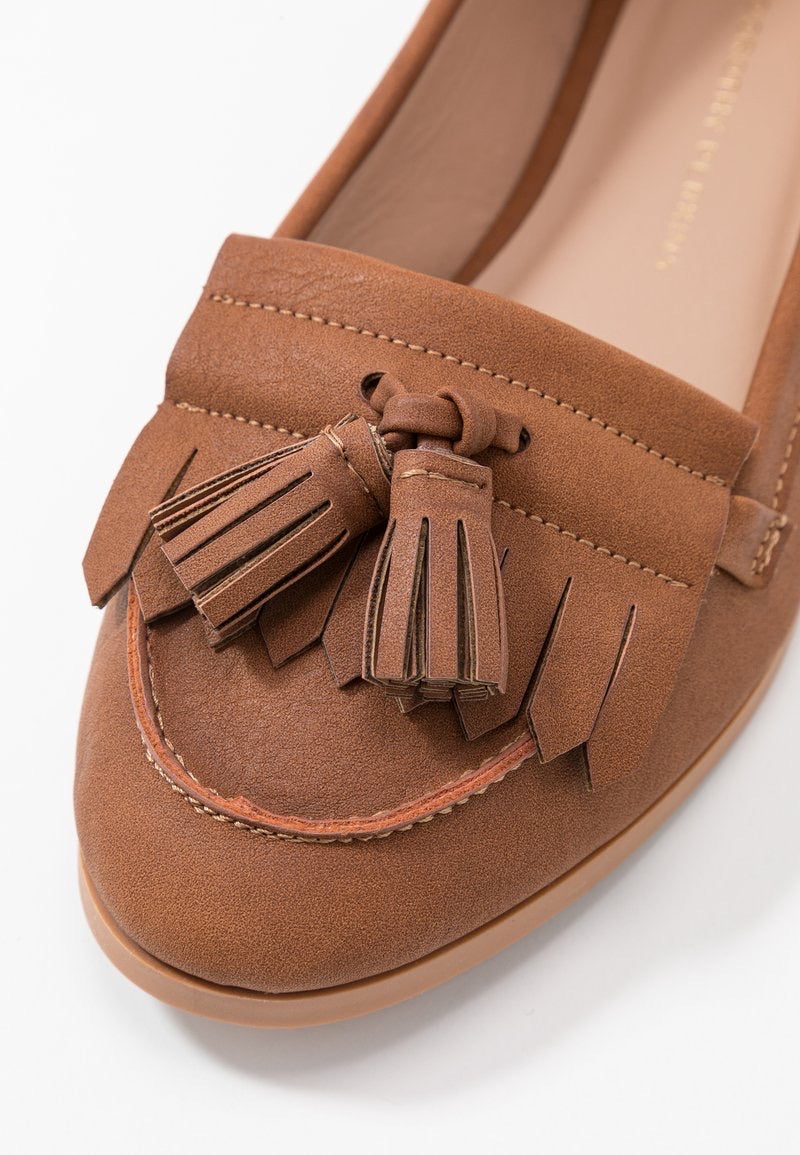 DOROTHY PERKINS TAN LATINO LOAFERS