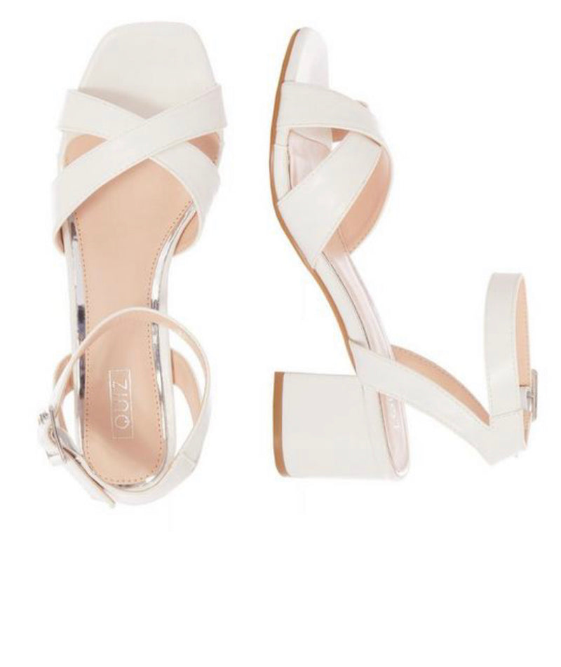 QUIZ WHITE FAUX LEATHER BLOCK HEEL SANDALS
