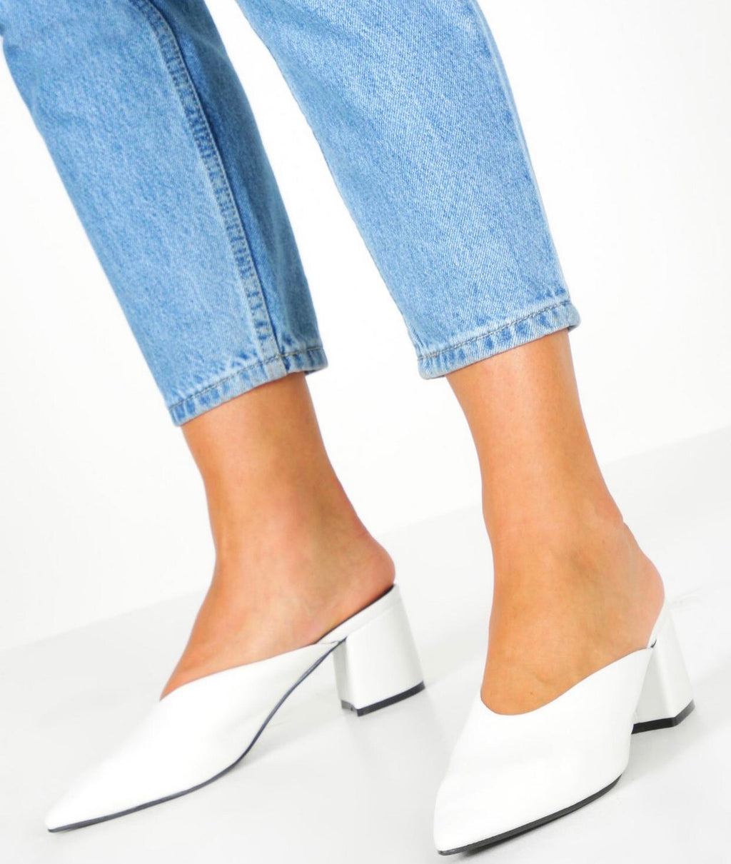 BOOHOO POINTED BLOCK HEEL MULE