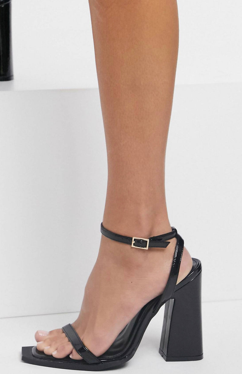 RAID ROGUE SQUARE TOE HEELED SANDALS IN BLACK
