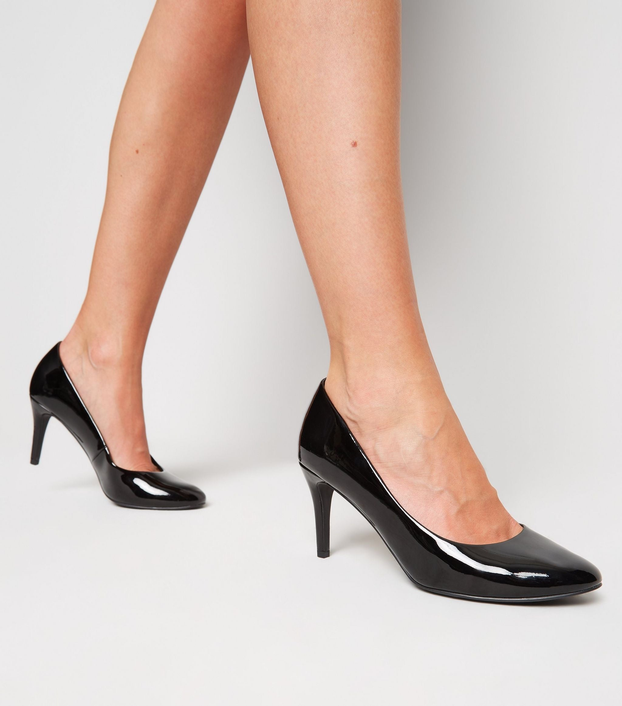 NEW LOOK ROUND TOE PUMP