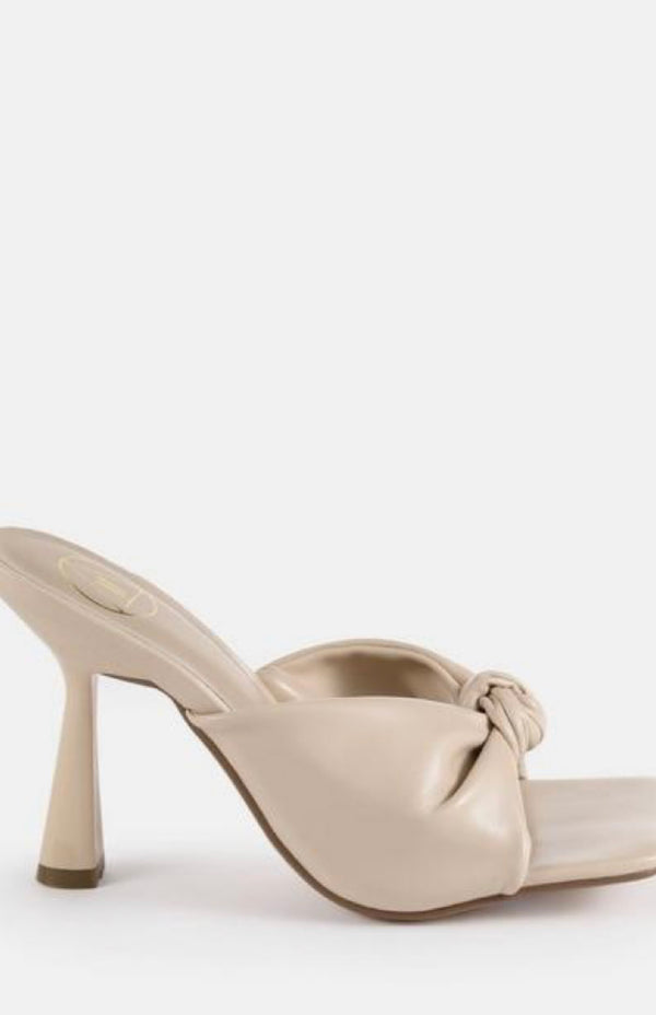 MISSGUIDED SAND KNOT DETAIL SQUARE TOE HEELED MULES