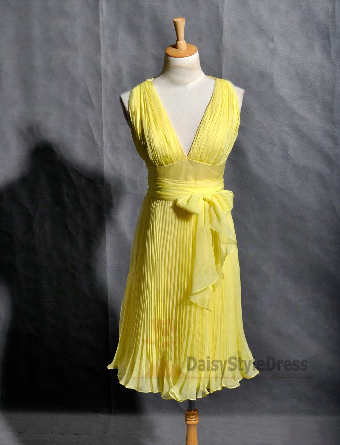 Knee Length Yellow V-neckline Dinner Party Dress - daisystyledress