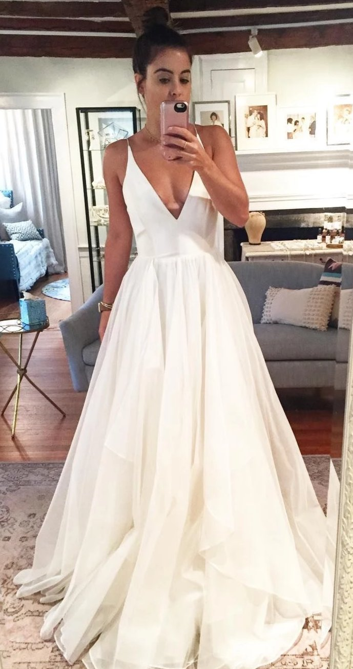 Spaghetti Straps V-neckline Wedding Dress