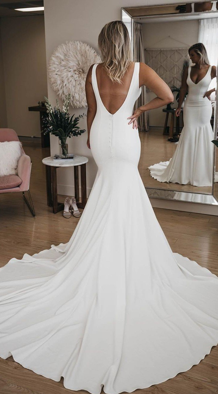 Mermaid Sexy Deep V-back Wedding Dress - daisystyledress