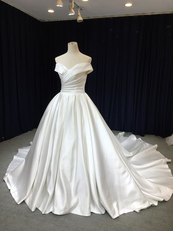 Ball Gown Off Shoulder Sleeve Wedding Dress