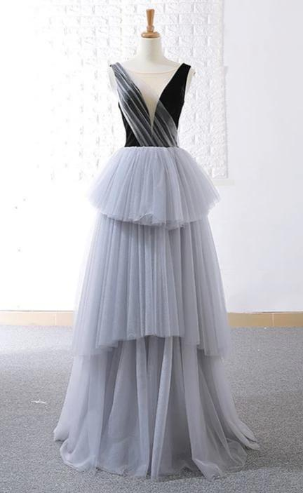 New Arrival V-neckline Tiered Skirt Prom Dress - daisystyledress