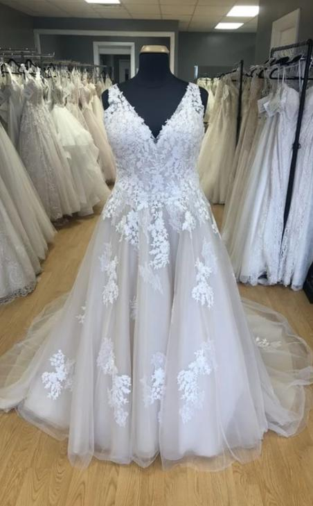 Custom Lace and Tulle Plus Size Wedding Dress - daisystyledress