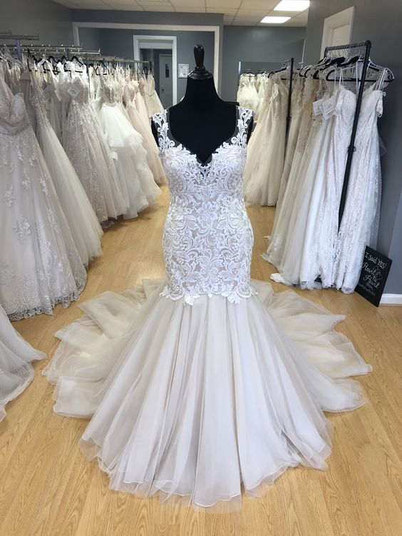 Mermaid Plus Sizes Tulle and Lace Wedding Dress - daisystyledress