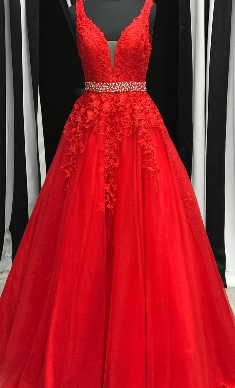 Ball Gown Red Lace and Tulle Prom Dress - daisystyledress