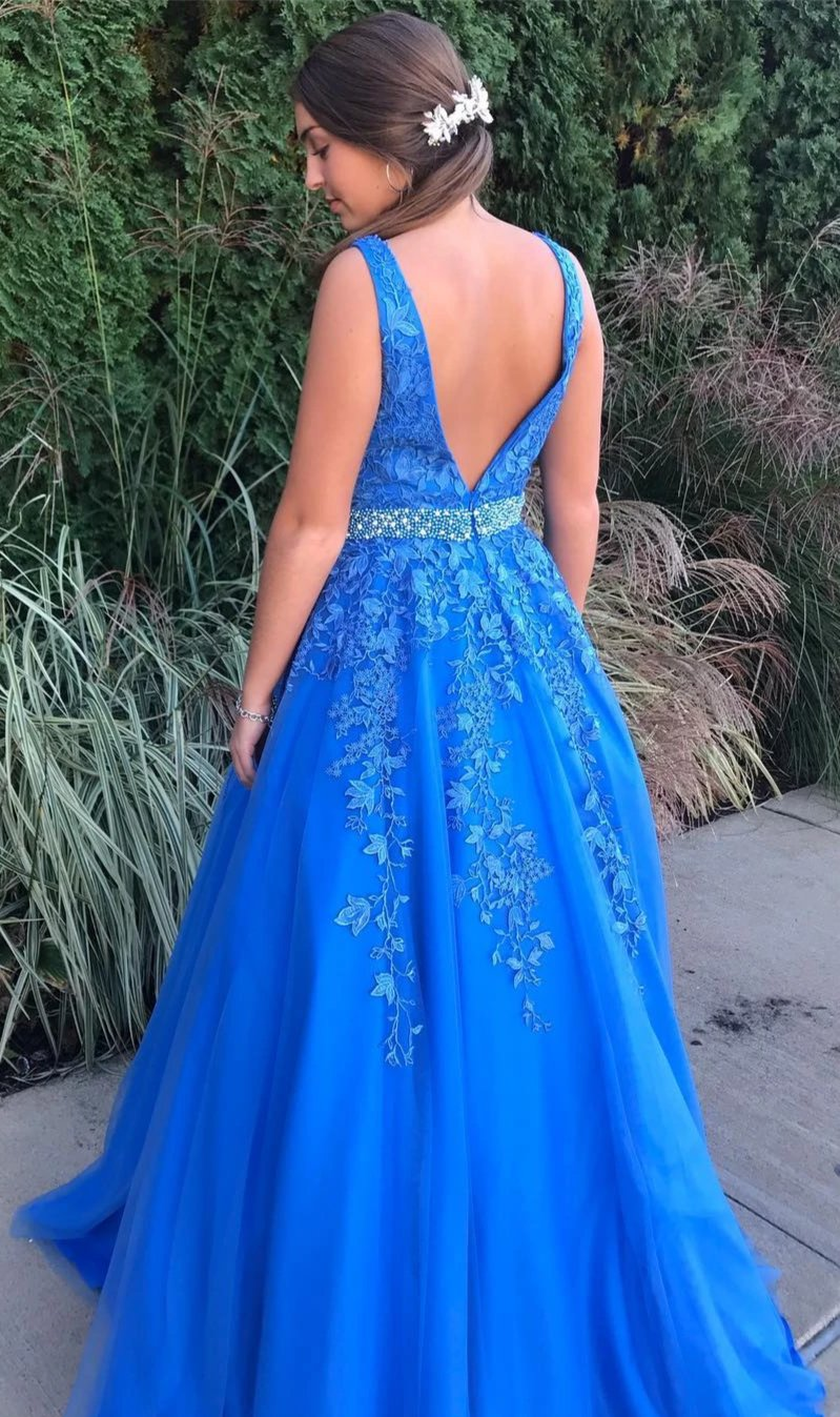 Popular V-neckline Lace and Tulle Prom Dress - daisystyledress