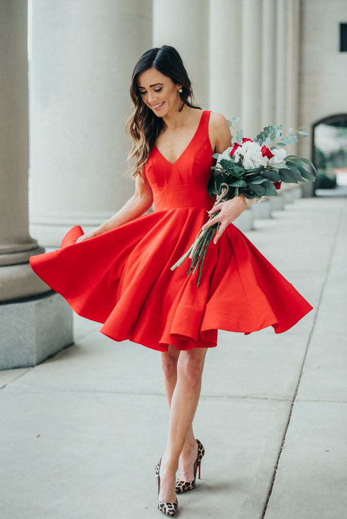 Knee Length Red V-neckline Wedding Party Dress - daisystyledress