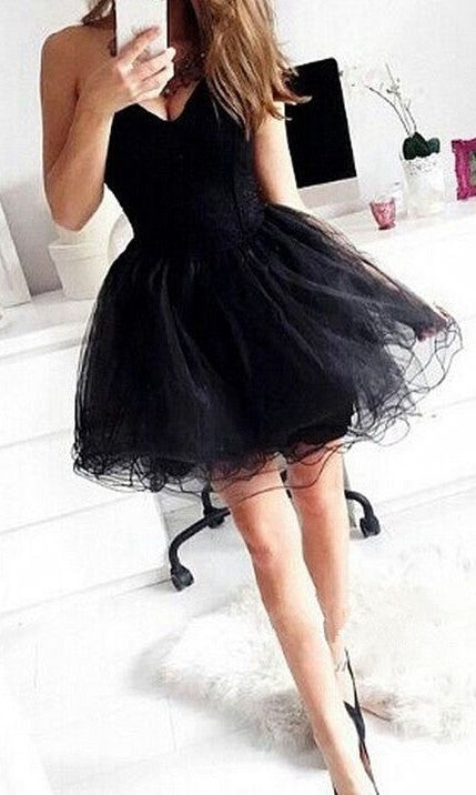 Short Sweetheart Neckline Black Tulle Homecoming Dress - daisystyledress