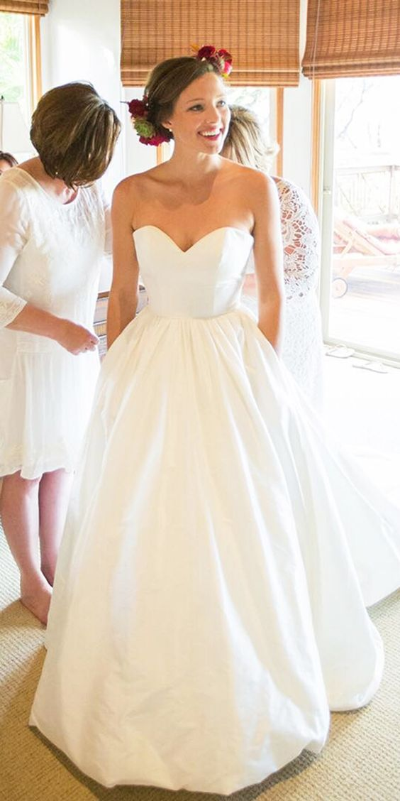 Simple Informal Sweetheart Wedding Dress with Pocket - daisystyledress