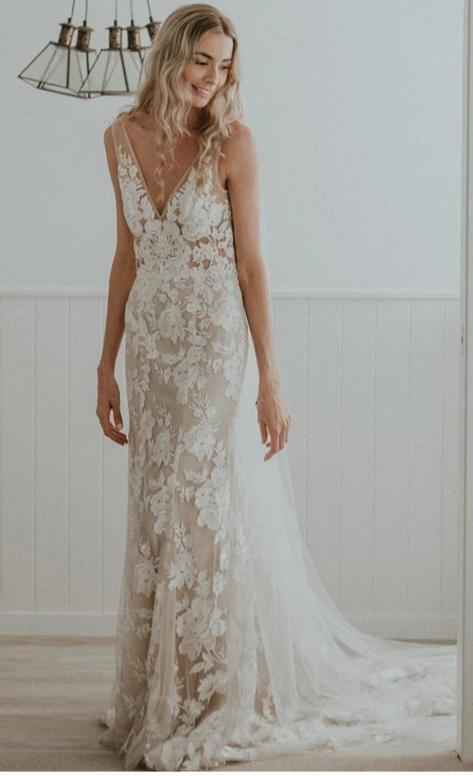 Sexy Deep V-neck High Quality French Lace Wedding Dress - daisystyledress