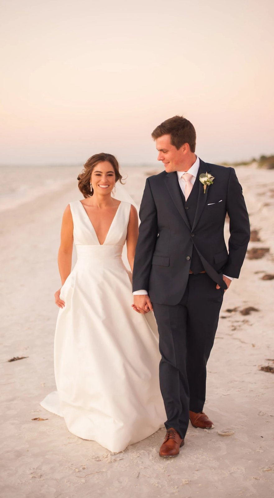Simple V-neckline Beach Wedding Dress - daisystyledress