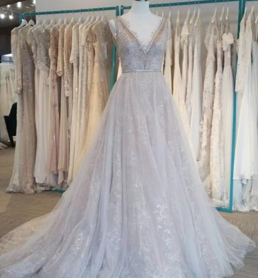 Elegant V-neckline Lace Wedding Dress - daisystyledress
