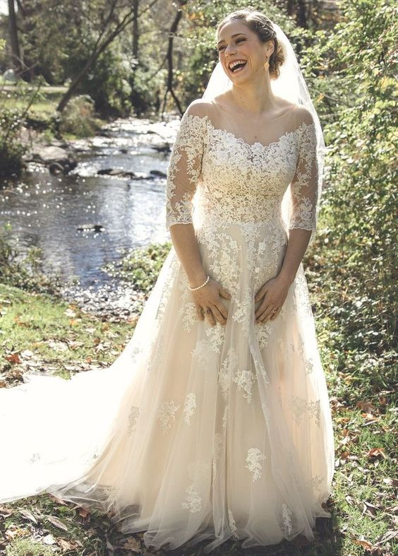 Elegant Half Sleeve Lace and Tulle Plus Size Wedding Dress - daisystyledress