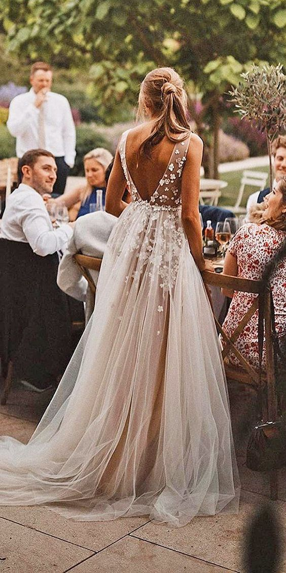 Informal Sexy Deep V-neck Tulle Wedding Dress - daisystyledress