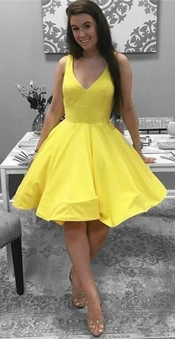 Knee Length V-neckline Blush Homecoming Dress - daisystyledress