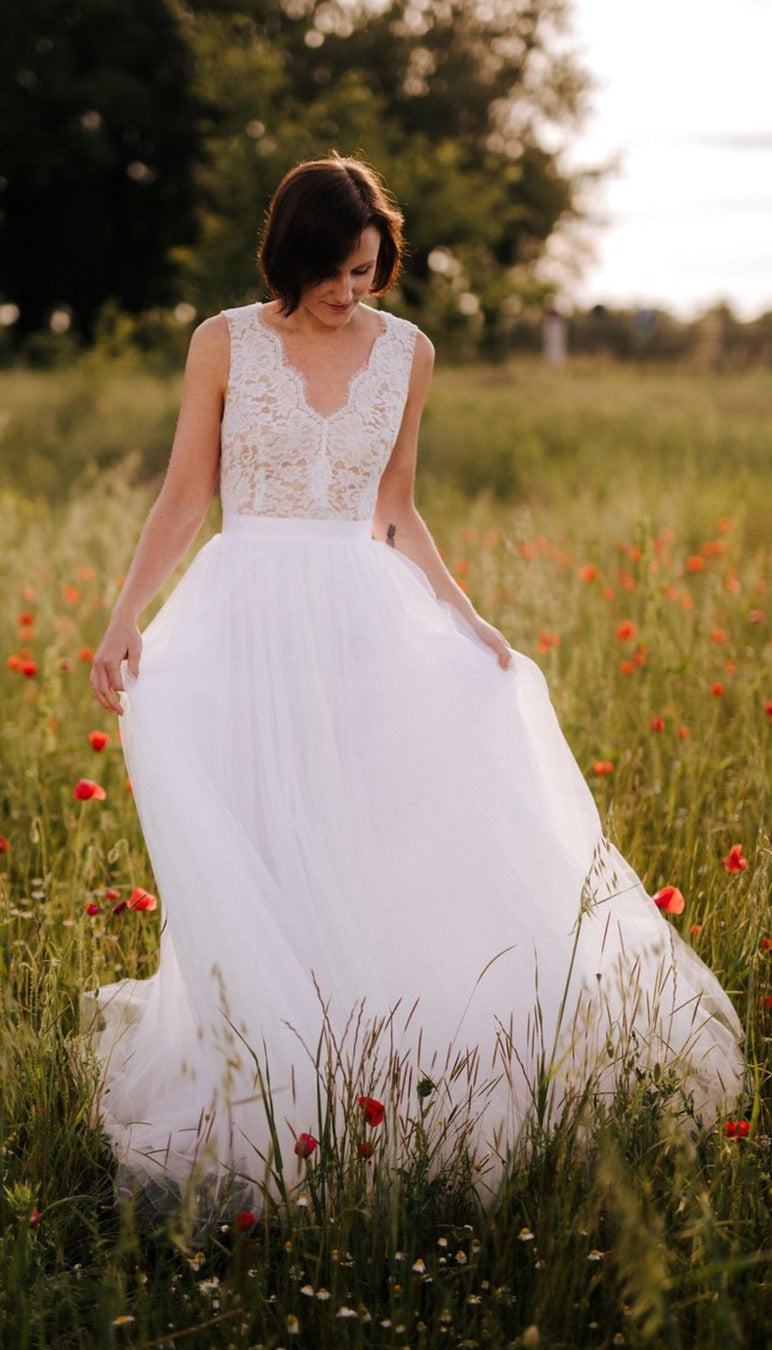 Lace and Tulle Sexy Deep V-back Boho Wedding Dress - daisystyledress
