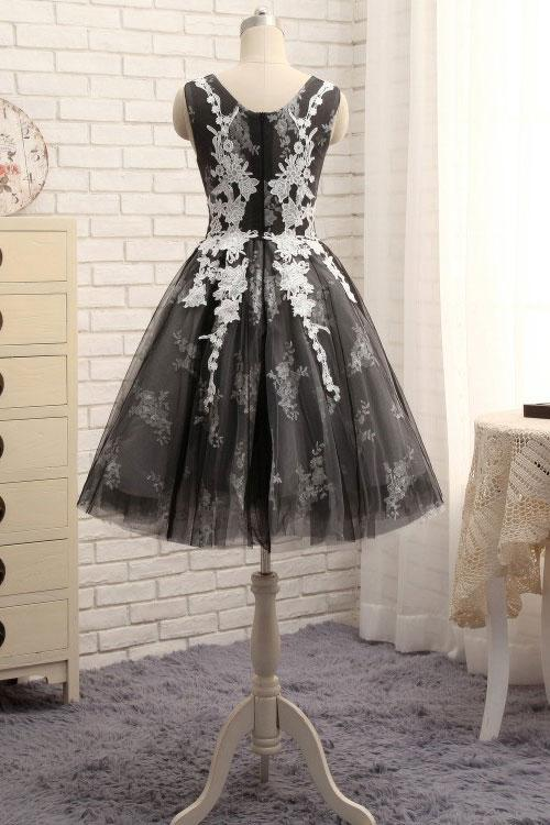 Knee Length Black and White Vintage Homecoming Dress - daisystyledress