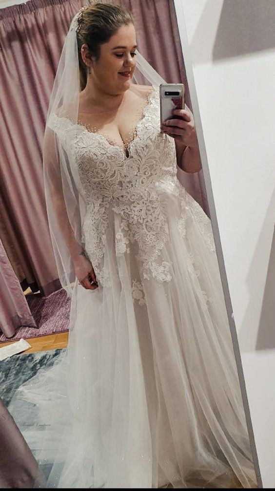 Simple Plus Size V-neck Lace Wedding Dress - daisystyledress