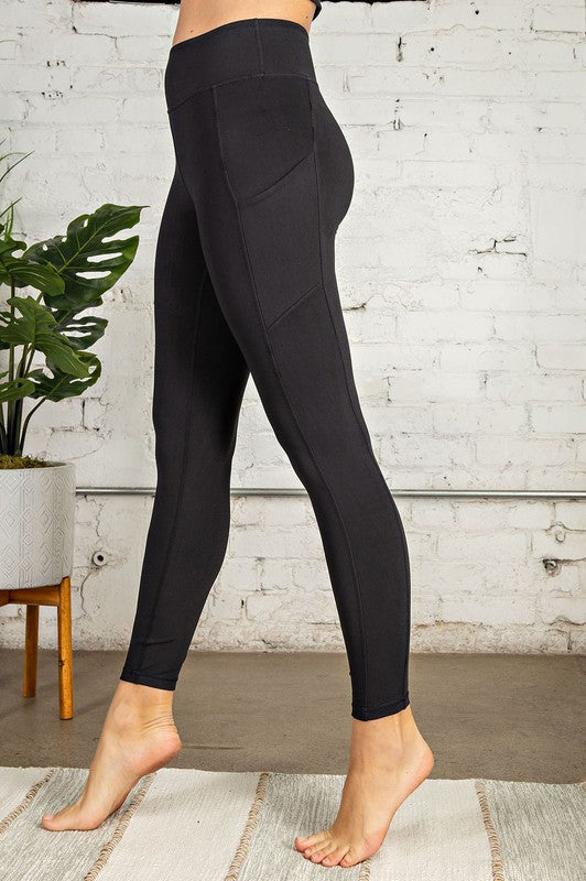 Buttery Soft Legging With Side Pockets-Black