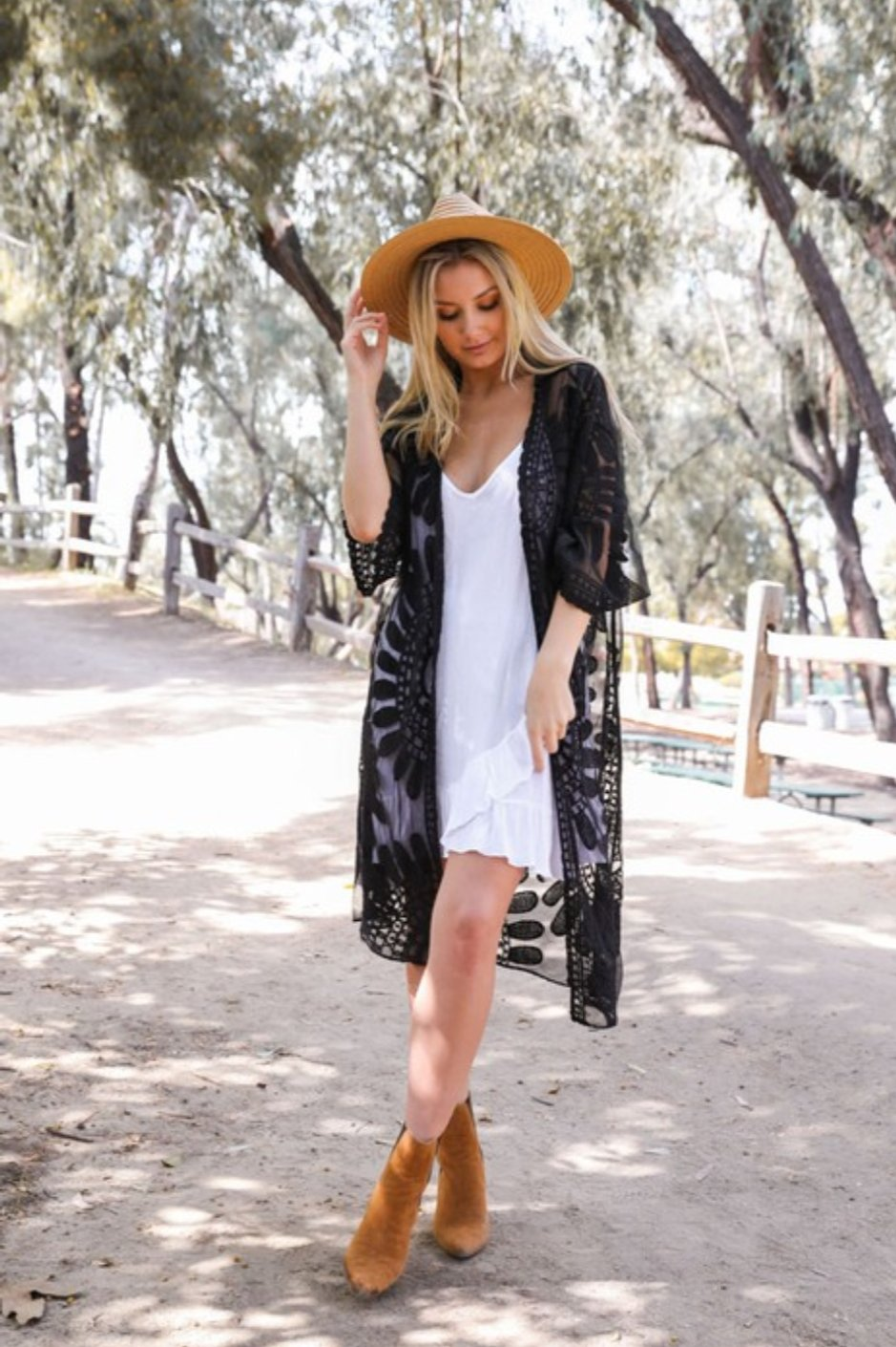 Bohemian Lace Embroidered Kimono Duster-Black