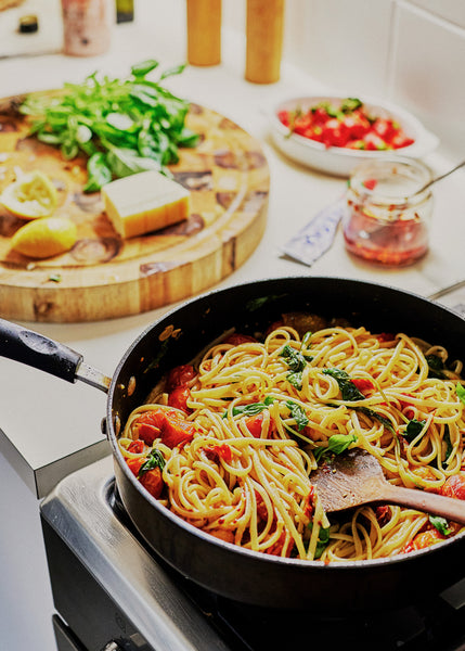 Want Dinner In 30 Minutes? Try Jessica Nguyen's Tomato and Garlic Linguine