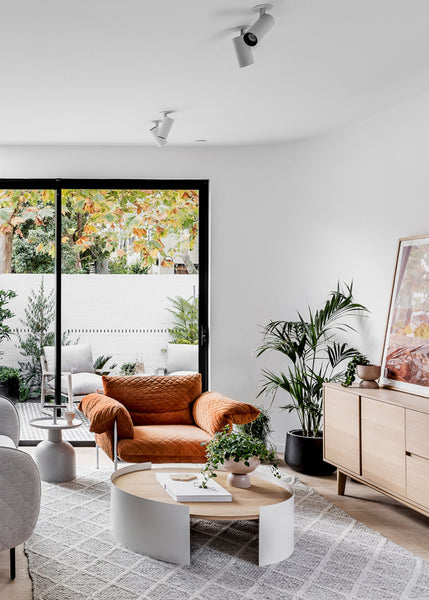 Take a Tour Inside This Sun-Drenched Minimalist Melbourne Beach House