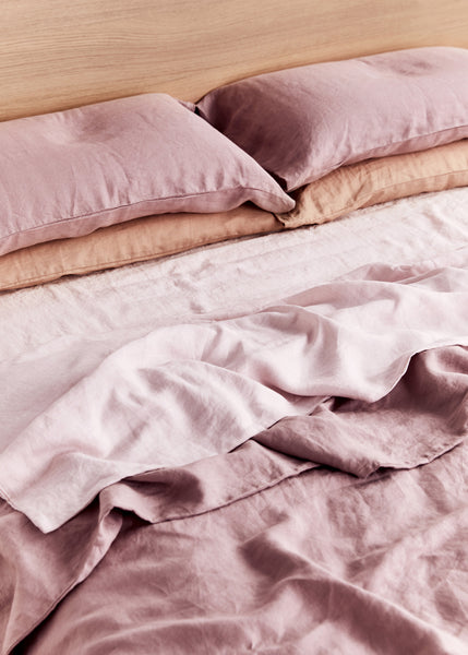 We Asked 5 People What Sleeping on Linen Sheets Feels Like—Here's What They Said
