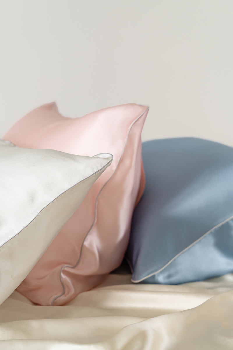 Silk Pillow Case by NiloNilo