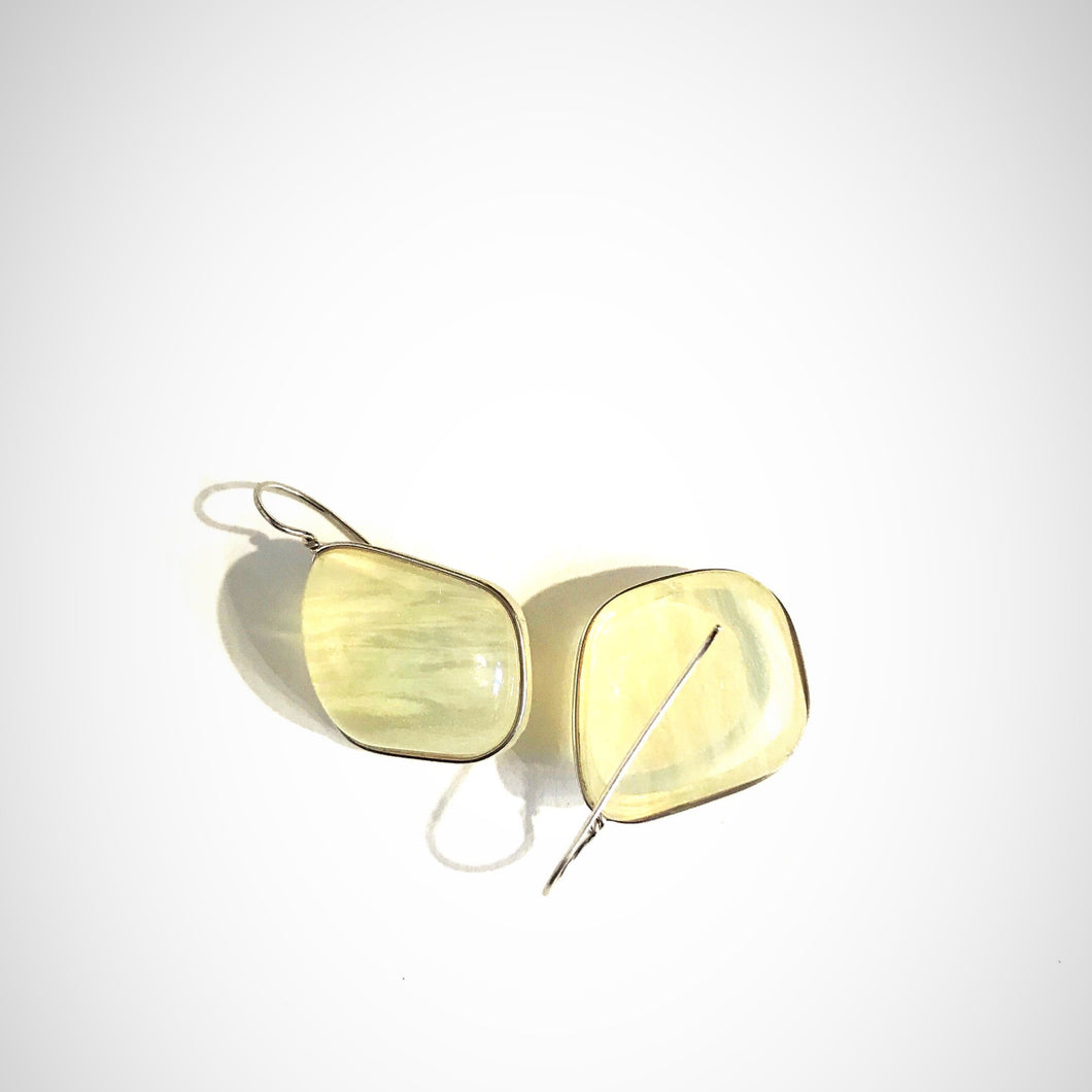 Pale Yellow Lassoed Earring