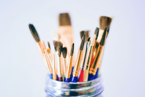 different types of brushes for painting