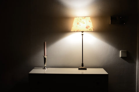 light and dark tones from lamps