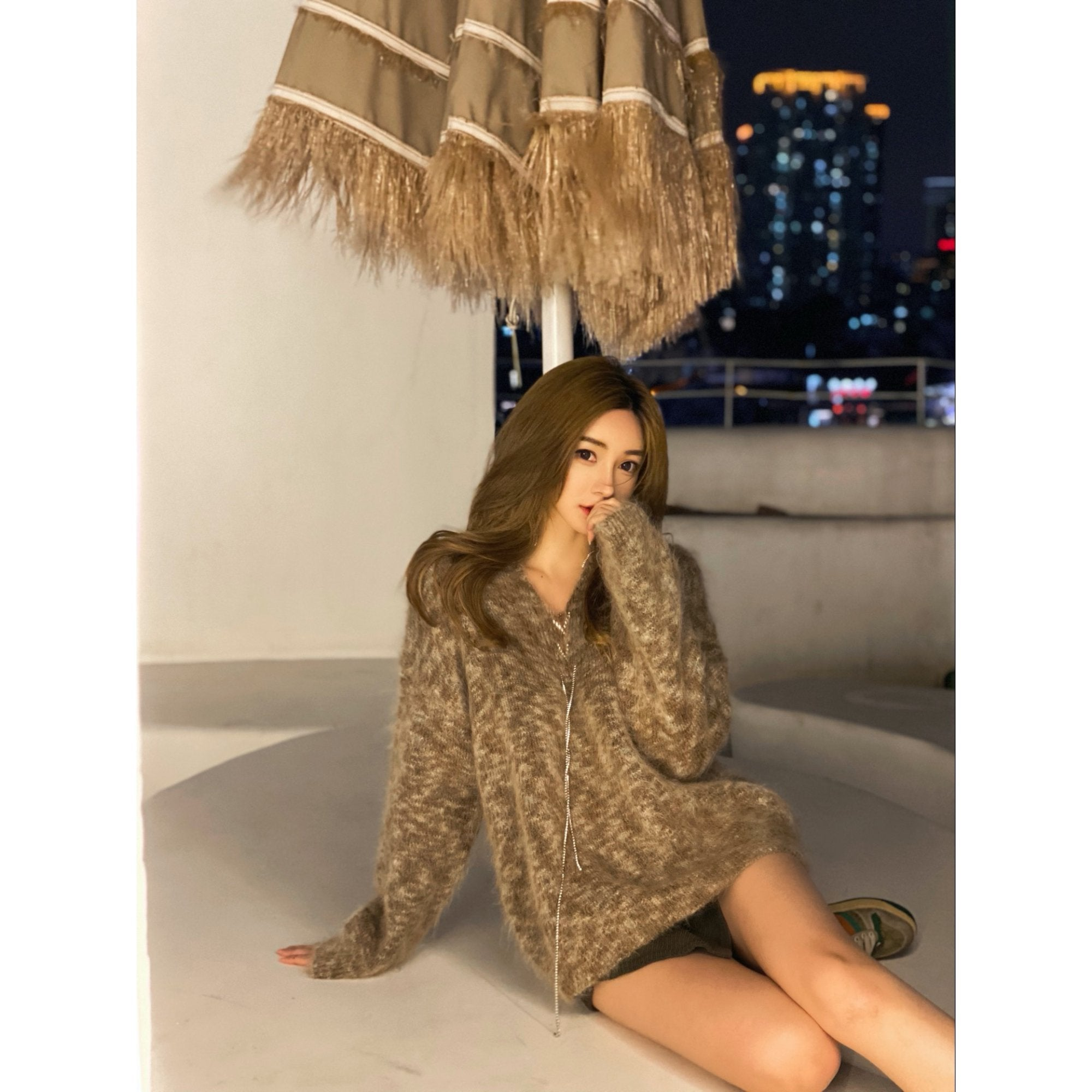 DIANA VEVINA Beige Chain Mohair Sweatshirt | MADA IN CHINA