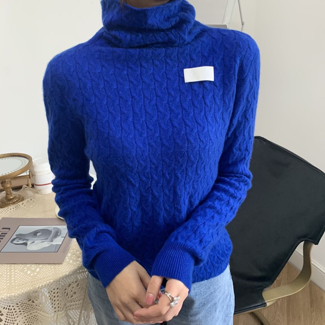 WARM AID Blue Cashmere Turtleneck Sweater | MADA IN CHINA