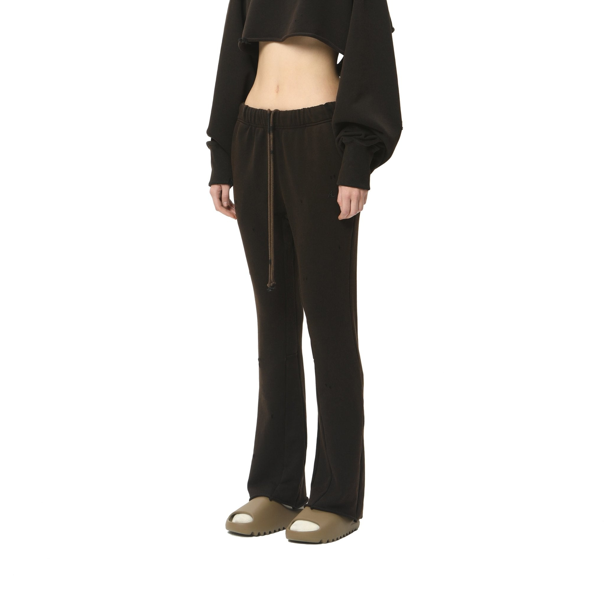 AIN'T SHY Flared Sweat Pants Ore Black | MADA IN CHINA