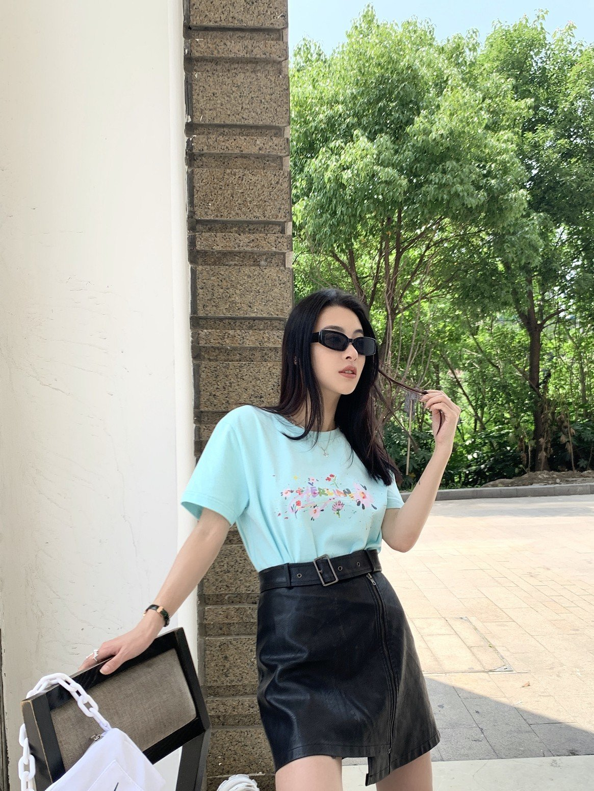 HERLIAN Flower Logo Tee | MADA IN CHINA